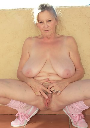 Big Tits Old Pussy Porn Pictures